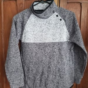 NWOT kids size 16 Xersion thermal top